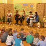 Ekonomik czyta dzieciom  (1)